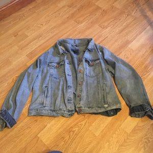 FOREVER21 2X destroyed denim jean jacket